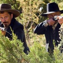 Viggo Mortensen e Ed Harris in un'immagine del western Appaloosa
