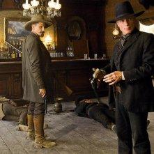 Viggo Mortensen e Ed Harris in una scena del western Appaloosa