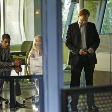 Gail O' Grady insieme ad Adam Rodriguez e David Caruso nell'episodio 'And How Does That Make You Kill?' della serie CSI Miami