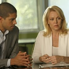 Gail O' Grady insieme ad Adam Rodriguez nell'episodio 'And How Does That Make You Kill?' della serie CSI Miami