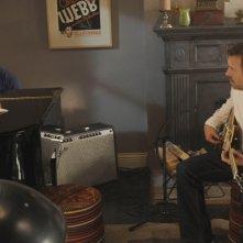 Hugh Laurie insieme a Michael Weston nell'episodio 'Adverse Events' della serie Dr House
