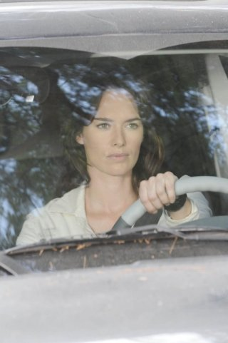 Lena Headey è Sarah nell'episodio Allison From Palmdale di Terminator: The Sarah Connor Chronicles