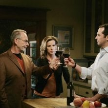 Matthew Rhys, Rachel Griffiths e Ron Rifkin nell'episodio 'Tug of War' della serie Brothers & Sisters