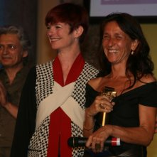 Ortensia De Francesco premiata da Sandy Powell