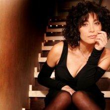 Antonella Stefanucci fotografata sulle scale della sua abitazione