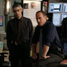 Christopher Meloni e Richard Belzer nell'episodio 'Trials' della serie tv Lwa & Order: SVU
