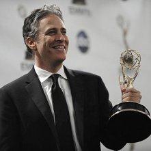 Jon Stewart premiato agli Emmy Awards 2008 per il suo programma The Daily Show