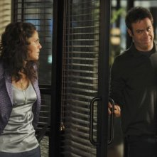 Paul Adelstein  insieme a Amy Brenneman nell'episodio 'Equal & Opposite' della serie tv Private Practice