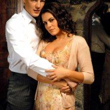 Bianca Guaccero e Giorgio Lupano in un'immagine promo della fiction La stella della porta accanto