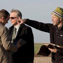 Ethan Embry, Billy Bob Thornton e il regista D.J. Caruso sul set del film Eagle Eye