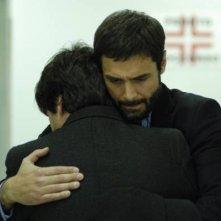 L'attore Daniele Pecci in una scena drammatica del serial Crimini bianchi