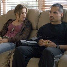 Rachel McAdams e Michael Peña in una scena del film The Lucky Ones