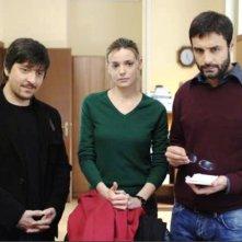 Ricky Memphis, Christiane Filangieri  e Daniele Pecci in una scena della serie Crimini bianchi