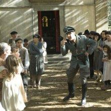 Christian Berkel in una scena del film Miracolo a Sant'Anna