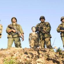 Derek Luke, Laz Alonso, Matteo Sciabordi, Omar Benson Miller e Michael Ealy in una scena del film Miracolo a S. Anna