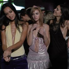 Desirèe Noferini, Nadir Caselli e Chiara Chiti in una scena del film Un gioco da ragazze