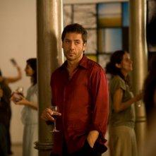 Javier Bardem in un'immagine del film Mezzanotte a Barcellona
