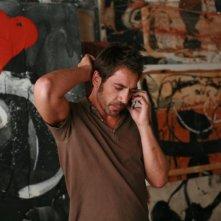 Javier Bardem in una scena del film Mezzanotte a Barcellona