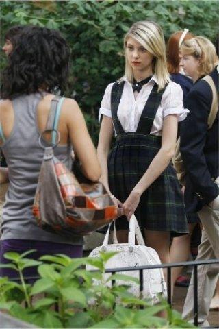 Jessica Szohr e Taylor Momsen nell'episodio The Ex-Files di Gossip Girl