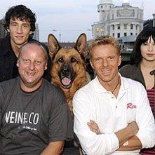 Martin Weinek e Kaspar Capparoni con il resto del nuovo cast di Rex
