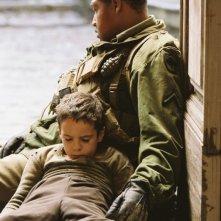 Matteo Sciabordi e Omar Benson Miller in una scena del film Miracolo a Sant'Anna