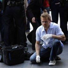 Carmine Giovinazzo nell'episodio 'Sex, Lies and Silicone' della serie tv CSI New York