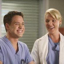 T.R. Knight e Katherine Heigl nell'episodio 'Here comes the flood' della serie tv Grey's Anatomy