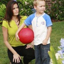 Teri Hatcher in una scena dell'episodio 'Kids Ain't Like Everybody Else' della serie Desperate Housewives