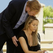David Caruso e Elizabeth Berkley in una scena dell'episodio 'Bombshell' della serie tv CSI Miami
