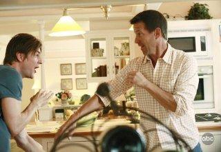 Gale Harold e James Denton in un momento dell'episodio 'Kids Ain't Like Everybody Else' della serie tv Desperate Housewives