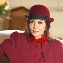 Sabrina Ferilli nei panni castigati di Anna Modigliani in una immagine promo della fiction Anna e i cinque