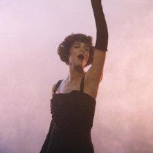 Un'immagine di Katie Holmes nella visione di Eli Stone nell'episodio Grace della serie