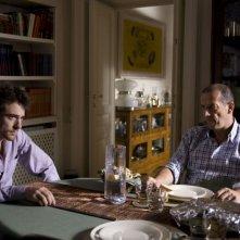 Elio Germano e Marco Baliani in una scena del film Il passato è una terra straniera