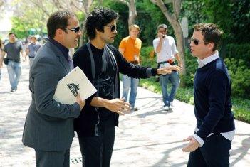 Jeremy Piven, Adrian Grenier e Kevin Connolly in una scena dell'episodio 'Fire Sale' della quinta stagione di Entourage