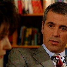 Ottavio Amato in una scena della soap Un posto al sole