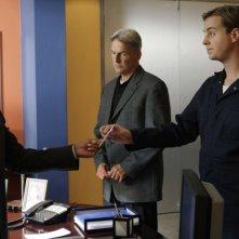 Sean Murray, Mark Harmon e Rocky Carrol nell'episodio 'Capitol Offense' della serie tv Navy NCIS
