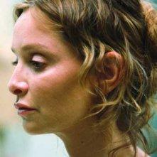 Calista Flockhart in una scena del thriller Fragile