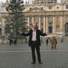 Bill Maher a Città del Vaticano in un'immagine del documentario Religulous