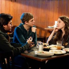Il regista Peter Sollett, Michael Cera e Kat Dennings sul set del film Nick and Norah's Infinite Playlist