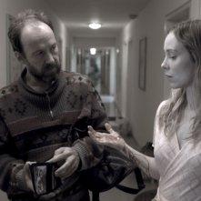 Ulrich Noethen e Franziska Petri in una scena del film Schattenwelt