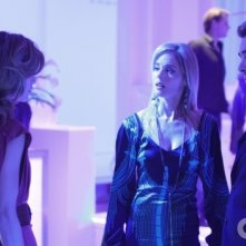 AnnaLynne McCord, Christina Moore e James Patrick Stuart in una scena dell'episodio Model Behavior di 90210
