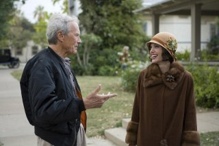 Clint Eastwood e Angelina Jolie sul set del film Changeling
