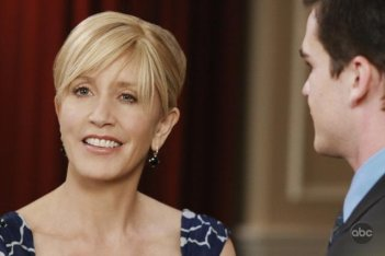 Felicity JHuffman nell'episodio 'Back in Business' della serie Desperate Housewives