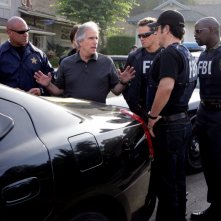 Henry Winkler, Dylan Bruno, Alimi Ballard, Rob Morrow nell'episodio 'Jack of all trades' della serie tv Numb3rs