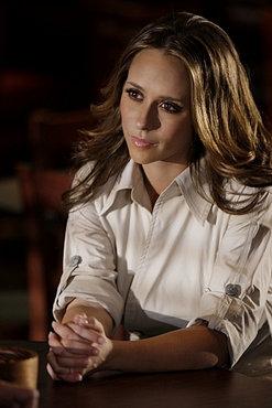 Jennifer Love Hewitt in una scena dell'episodio 'Firestarter' del serial Ghost Whisperer