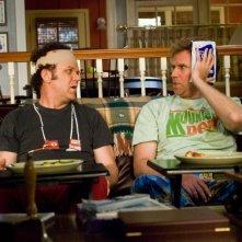 John C. Reilly e WIll Ferrell in un'immagine della commedia Fratellastri a 40 anni