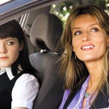 Natascha McElhone e Madeleine Martin in una scena dell'episodio Going Down and Out in Beverly Hills di Californication