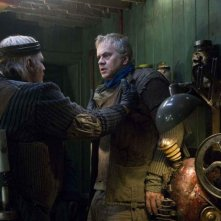 Tim Robbins in una scena del film City of Ember