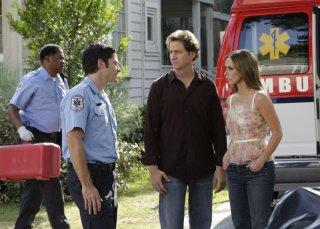 Jennifer Love Hewitt con Jamie Kennedy nell'episodio Ghost in the Machine, della serie Ghost Whisperer