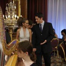 Jennifer Love Hewitt e David Conrad in una sequenza dell'episodio Save Our Souls, della serie Ghost Whisperer